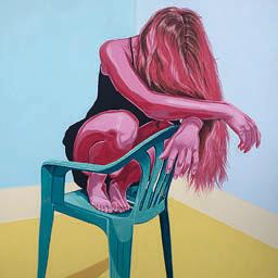 Mulher Na Cadeira Verde